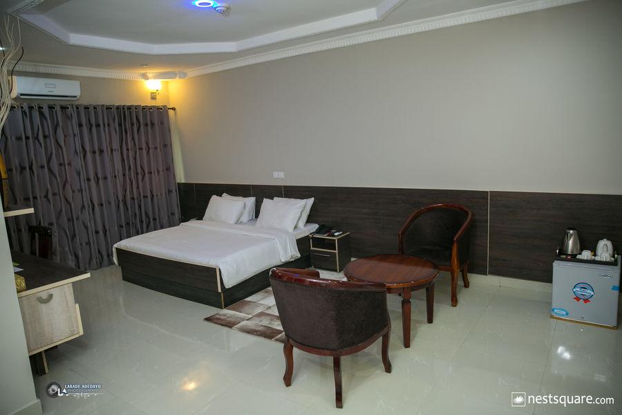 Fawzy hotel, Ibadan
