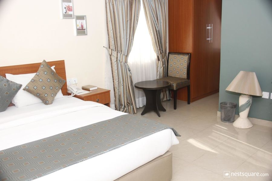 Crown Cottage Deluxe Hotel, Ikeja