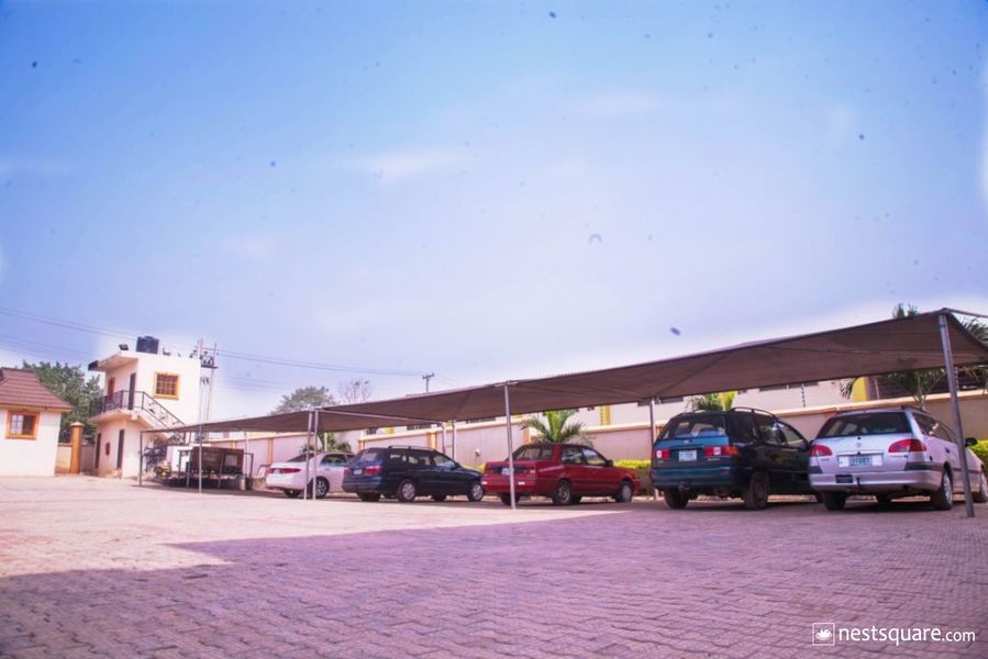 Mingles Place Hotel, Ibadan
