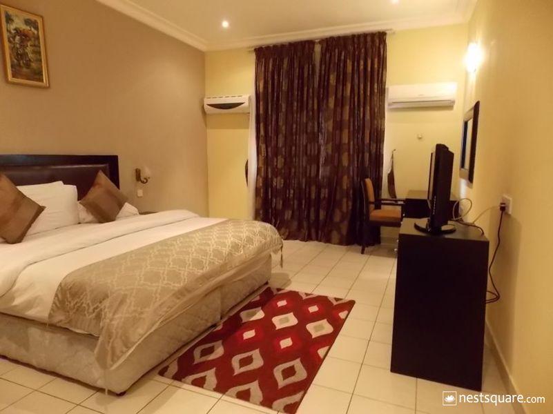 Town House, Ibadan